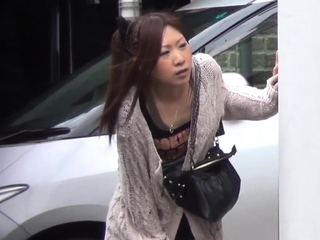 Japanese peeing babes get spied on